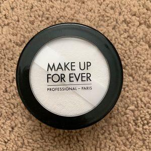 Make up forever super matte loose powder